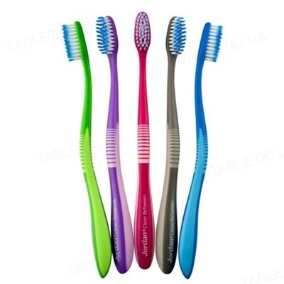 Зубная щетка Jordan Clean between для чувствительных зубов и десен, 1 штука